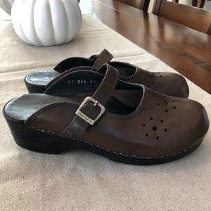 Dansko Brown Leather MERRIE Mary Jane Clogs Mules